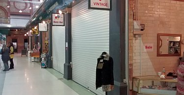 K77 / K55 roller shutter in a shopping centre.